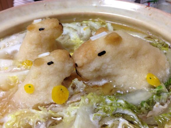 in-japan-not-only-do-capybaras-bathe-in-hot-springs-they-swim-in-your-soup