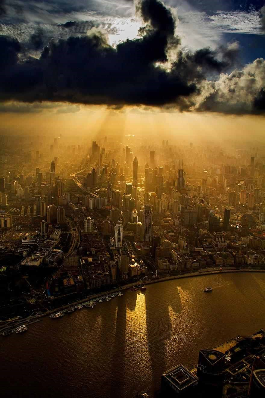 Stunning Award-Winning Photographs Taken by a Crane Operator 1