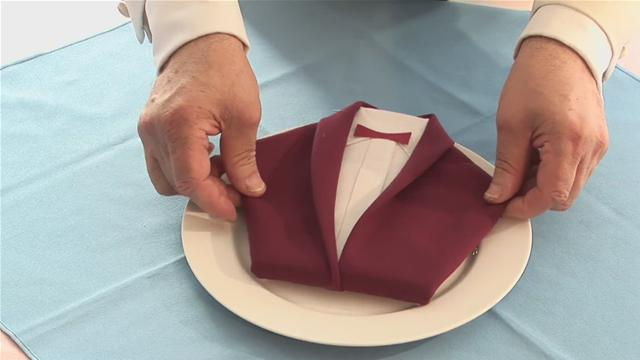 how-to-fold-a-dinner-jacket-napkin.WidePlayer
