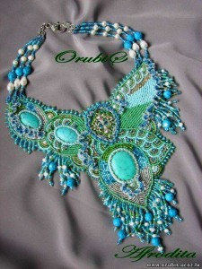 embroidered_jewellery_1