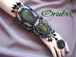 embroidered_jewellery_11