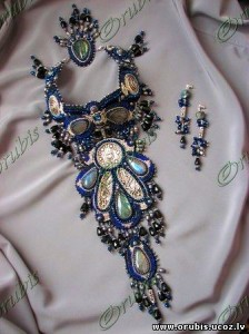 embroidered_jewellery_16