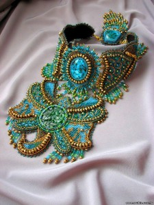 embroidered_jewellery_18