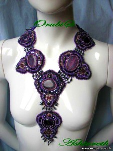 embroidered_jewellery_20