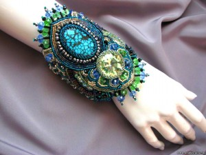embroidered_jewellery_23