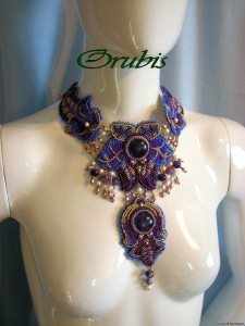 embroidered_jewellery_27