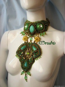 embroidered_jewellery_31