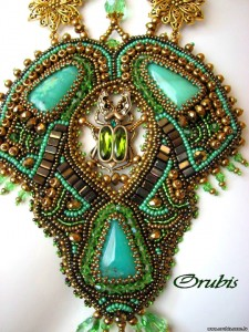 embroidered_jewellery_32