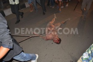1425580909-man-accused-of-rape-dragged-from-jail-beaten-hung-in-street--india_7044076