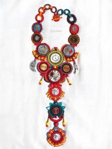 embroidered_necklace-12