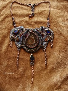 embroidered_necklace-24