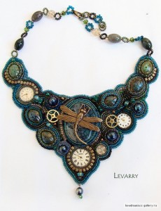 embroidered_necklace-27