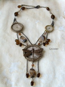 embroidered_necklace-4