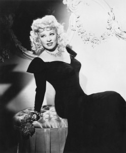 Mae-West-classic-movies-9373797-2122-2560