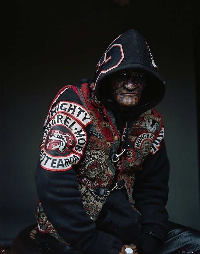 gang-member-portraits-mongrel-mob-new-zealand-jono-rotman-2_