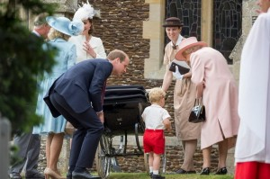 The-Queen-talks-to-Prince-George