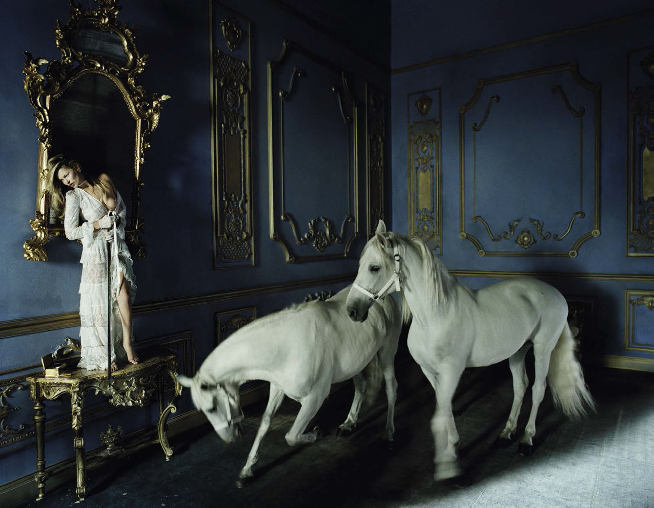 kate-moss-by-tim-walker-for-vogue-italia-december-2015-5